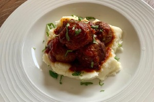 Main Course - Spiced lamb meatballs with Napoli sauce, mashed potatoes